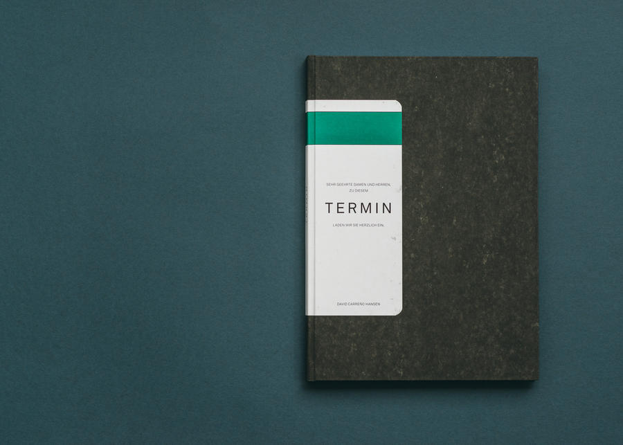 Photobook »Termin« My Photobook about official press conferences. What daily journalism is all about